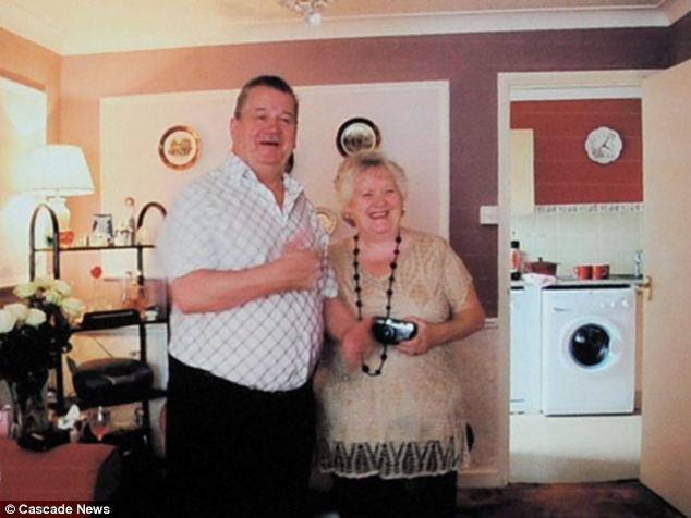 Marido recria casa antiga para mulher com Alzheimer