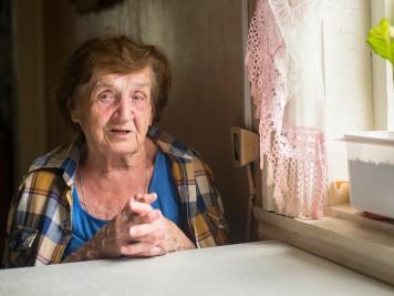 idosos que moram sozinhos
