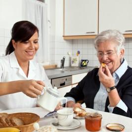 incentivando o idoso a comer